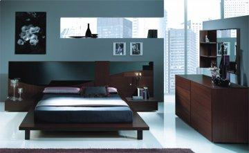 124 Series Platform Bedroom Set by Benicarlo